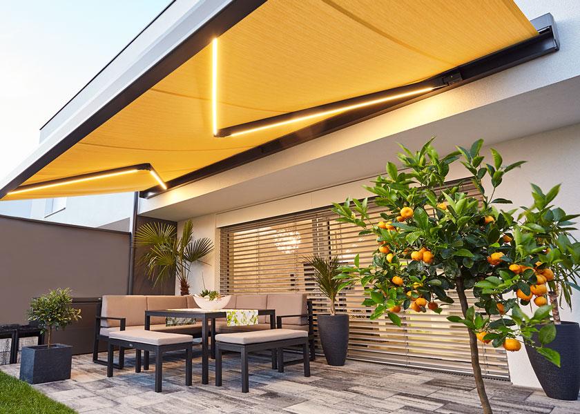 Bauelemente Lücking · Markisen, Terrassentüren, Fenster, Türen, Haustüren · Markise LED